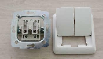 Возникла проблема при подключении двухклавишного выключателя на туалет и ванну